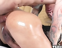 Asian tranny and her male friend