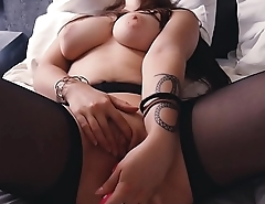 SOLO FEMALE - Intense orgasm in the morning.