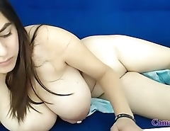 Huge Tits Masturbating in Webcam
