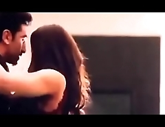 Deepika padukon kissing scene  more video link  https://clickfly.net/prZykX0